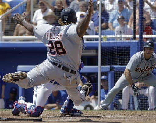 Fielder swipes base in Tigers' loss to Blue Jays