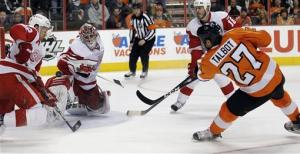 Flyers top short-handed Red Wings 3-2