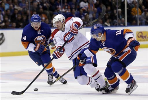 Gionta lifts Canadiens to 5-2 win over Islanders
