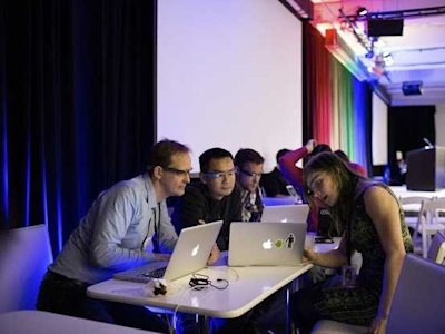 developers in a huddle at google's glass foundry event