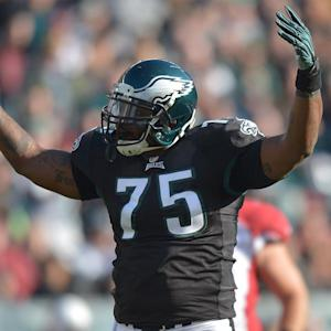 Eagles sign DE Vinny Curry to five-year deal