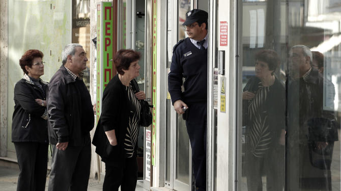No restrictions on local Cyprus card transactions