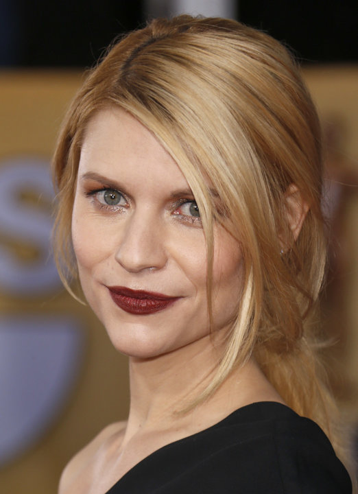 Claire Danes arrives at the 19th Annual Screen Actors Guild Awards at the Shrine Auditorium in Los Angeles on Sunday Jan. 27, 2013. (Photo by Todd Williamson/Invision for The Hollywood Reporter/AP Ima