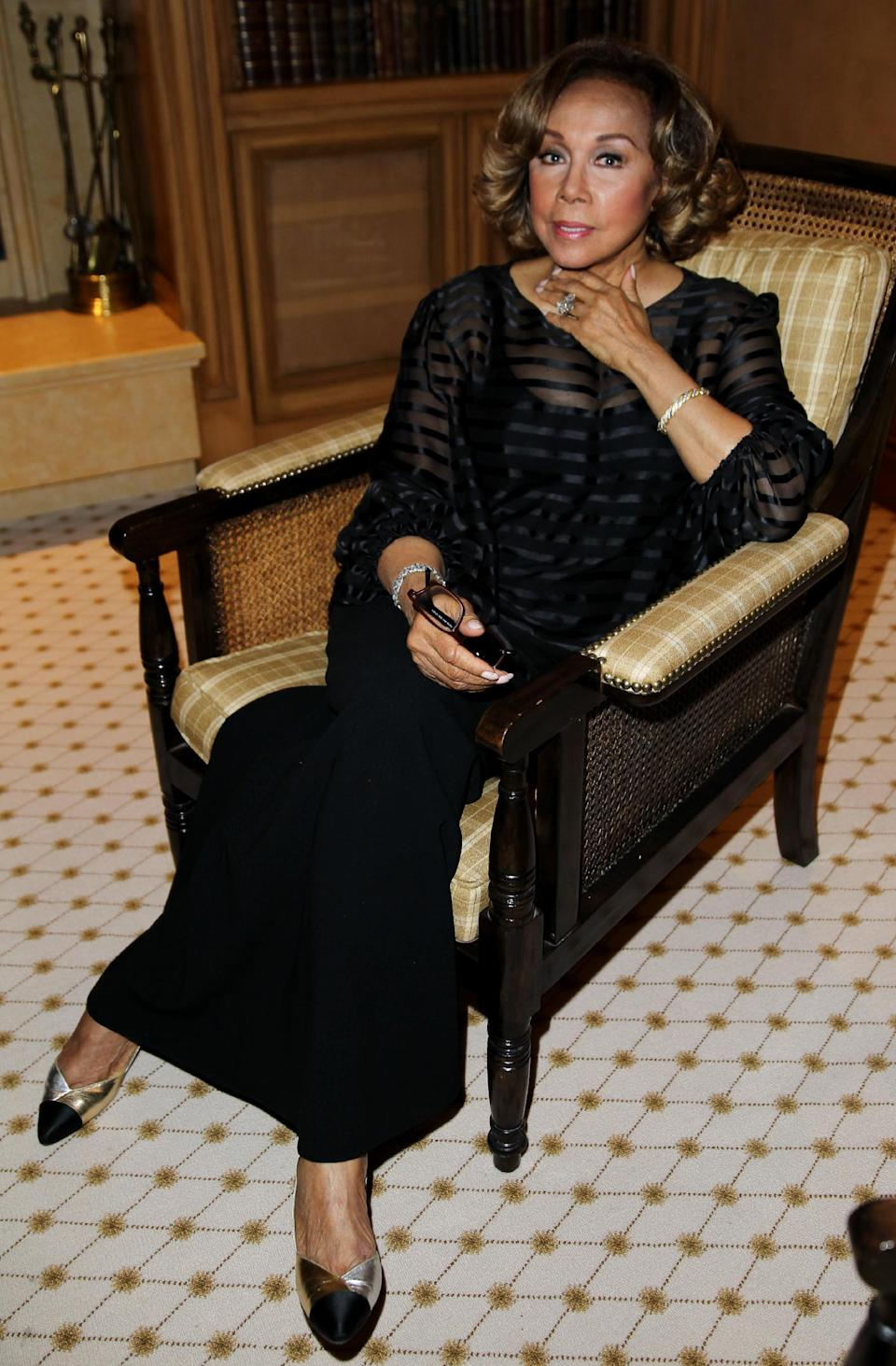 "Diahann Carol attends the ""House of Flowers"" dinner honoring her and AMPAS President Cheryl Boone Isaacs at the home of Tracey Edmonds on Saturday, Oct. 19, 2013 in Beverly Hills, Calif. (Photo by Matt Sayles/Invision/AP)"