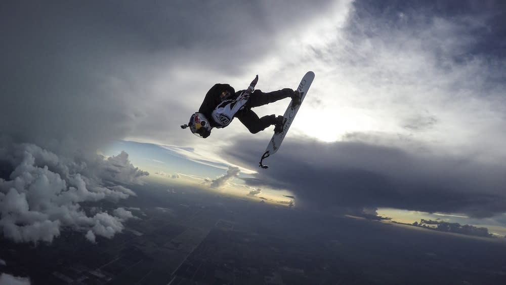 That's Insane! Daring Skydiver 'Surfs' on Storm Clouds