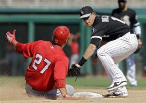 Floyd tagged early, White Sox lose to Angels 11-5