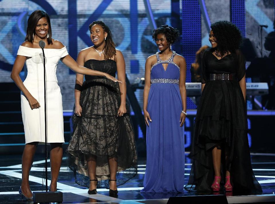 """Black girls rock!"" First Lady Michelle Obama thrills crowd with inspirational speech at 2015 Black Girls Rock!"
