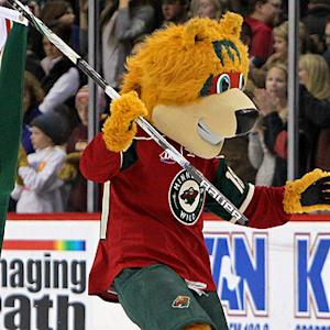 Minnesota Wild mascot dresses like Vancouver Green Men