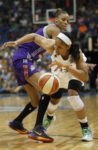 Moore scores 23, Lynx blow out Mercury, 91-59