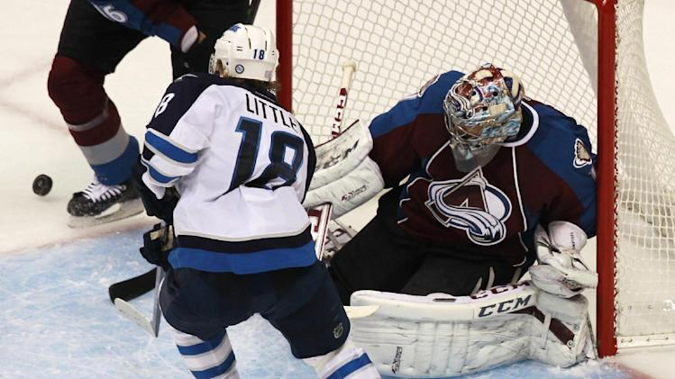 Varlamov in goal for Avalanche vs. Stars