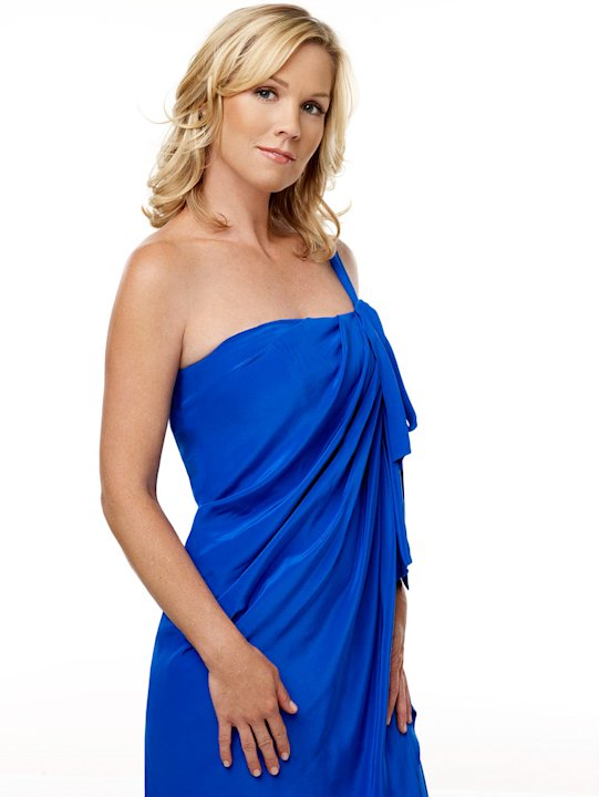Jennie Garth stars as Kelly Taylor in 90210. 