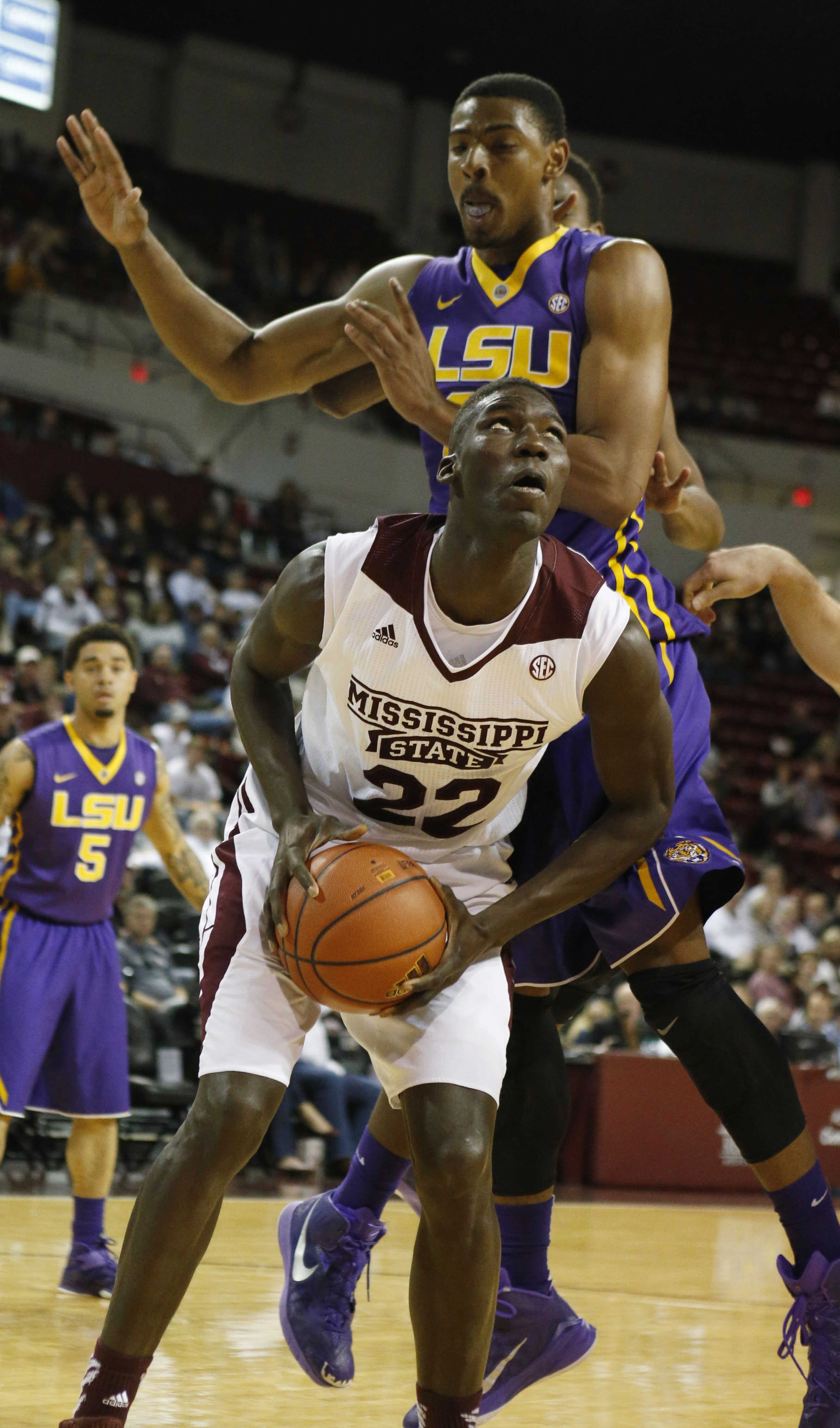 Mississippi State comes up big at the line, beats LSU 73-67