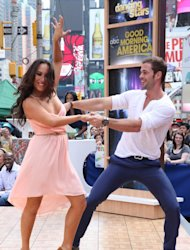 William Levy bailó en Times Square