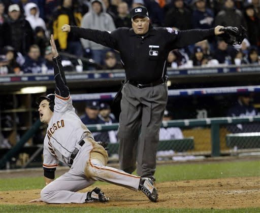 Giants beat Tigers 4-3 in 10 innings for sweep