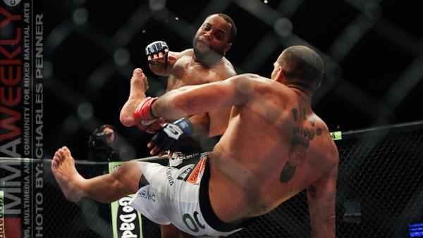 Daniel Cormier Wants to Make 205 by Year's End, But Plans to Fight His Way Out at Heavyweight