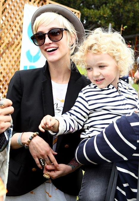 PIC: See Ashlee Simpson's Son Bronx, 3, Cuddle Adorable Puppy