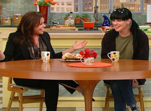 &quot;NCIS&quot; Pauley Perrette stopped by &quot;The Rachael Ray Show&quot; to dish on her role on NCIS, her recent engagement and more! 