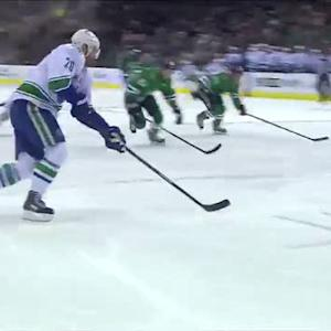 Chris Higgins goes top-shelf on Lehtonen