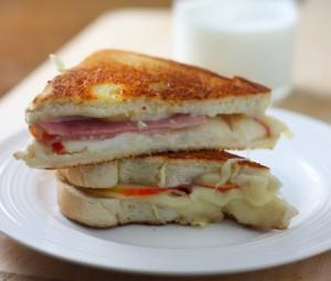 Ham and Apple Grilled Cheese