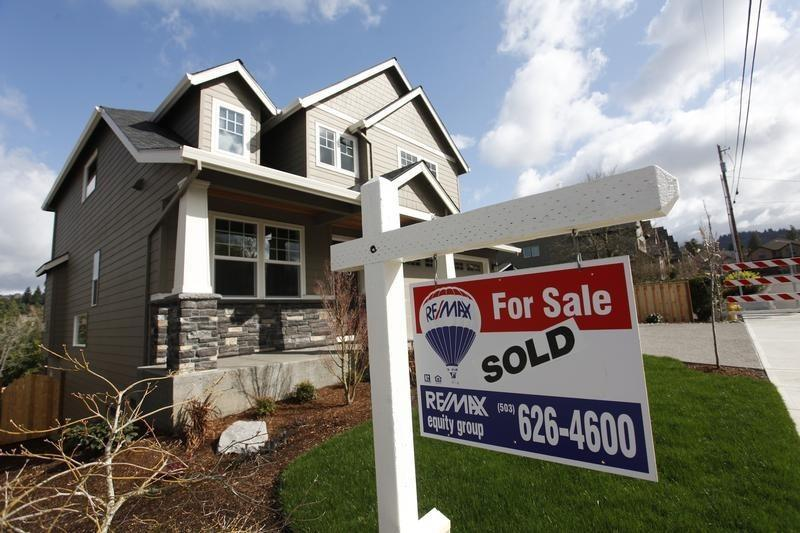 Mortgage applications inch up in latest week: MBA
