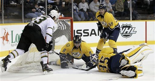 Ribeiro scores 2 goals as Stars down Predators 4-1