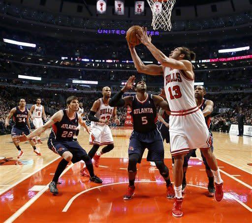 Bulls shut down Hawks in 97-58 rout
