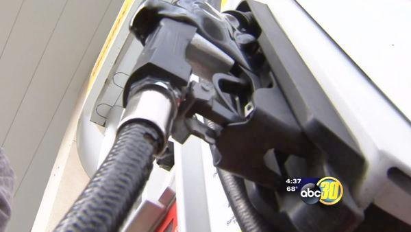 Average price of gas hits $4.00 in Fresno