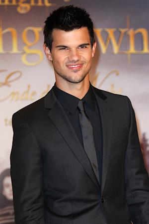 Taylor Lautner Suggests Stephenie Meyer Make Twilight: The Musical!