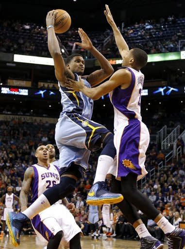 Randolph leads Grizzlies over Suns