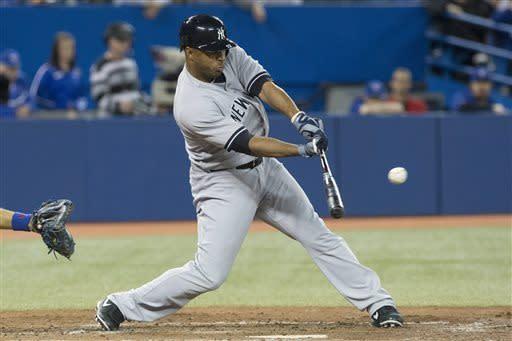 Loup's throwing error helps Yankees beat Blue Jays