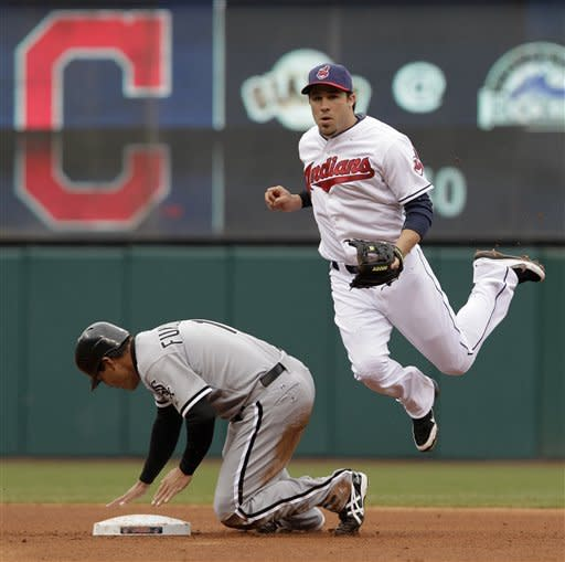 Pierzynski gets 4 RBIs as ChiSox beat Indians 10-6