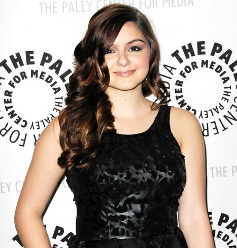 "Ariel Winter on Her ""Body Insecurities"": ""My Mother Wasn't Supportive"""