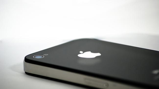 Apple snags design patents for Steve Jobs and Jony Ive's iPhone 4, iPad 2