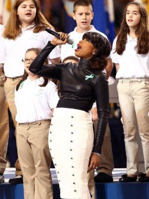 Super Bowl 2013: Jennifer Hudson Sings 'America the Beautiful' With Sandy Hook Students (Video)