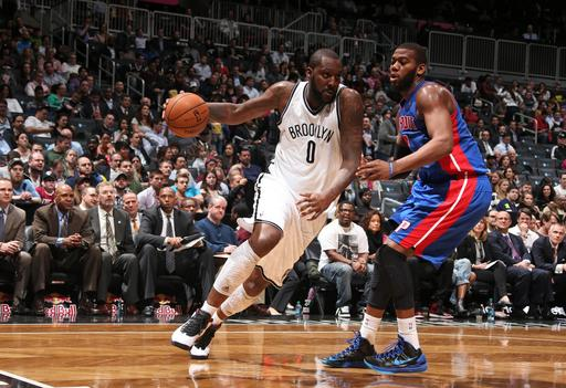 Lopez, Blatche help Nets hold off Pistons, 103-99