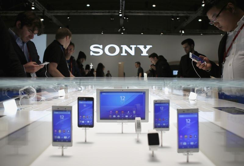 Sony may consider options for smartphone unit if no profit next year