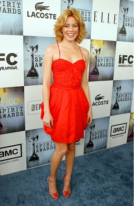 Elizabeth Banks arrives at Film Independent's 2009 Independent Spirit Awards held at the Santa Monica Pier on February 21, 2009 in Santa Monica, California.