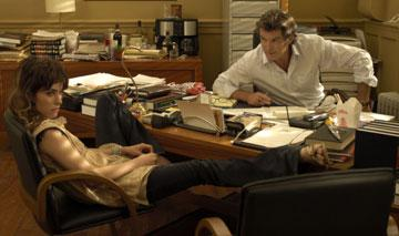 Parker Posey and Pierce Brosnan in New Line's Laws of Attraction