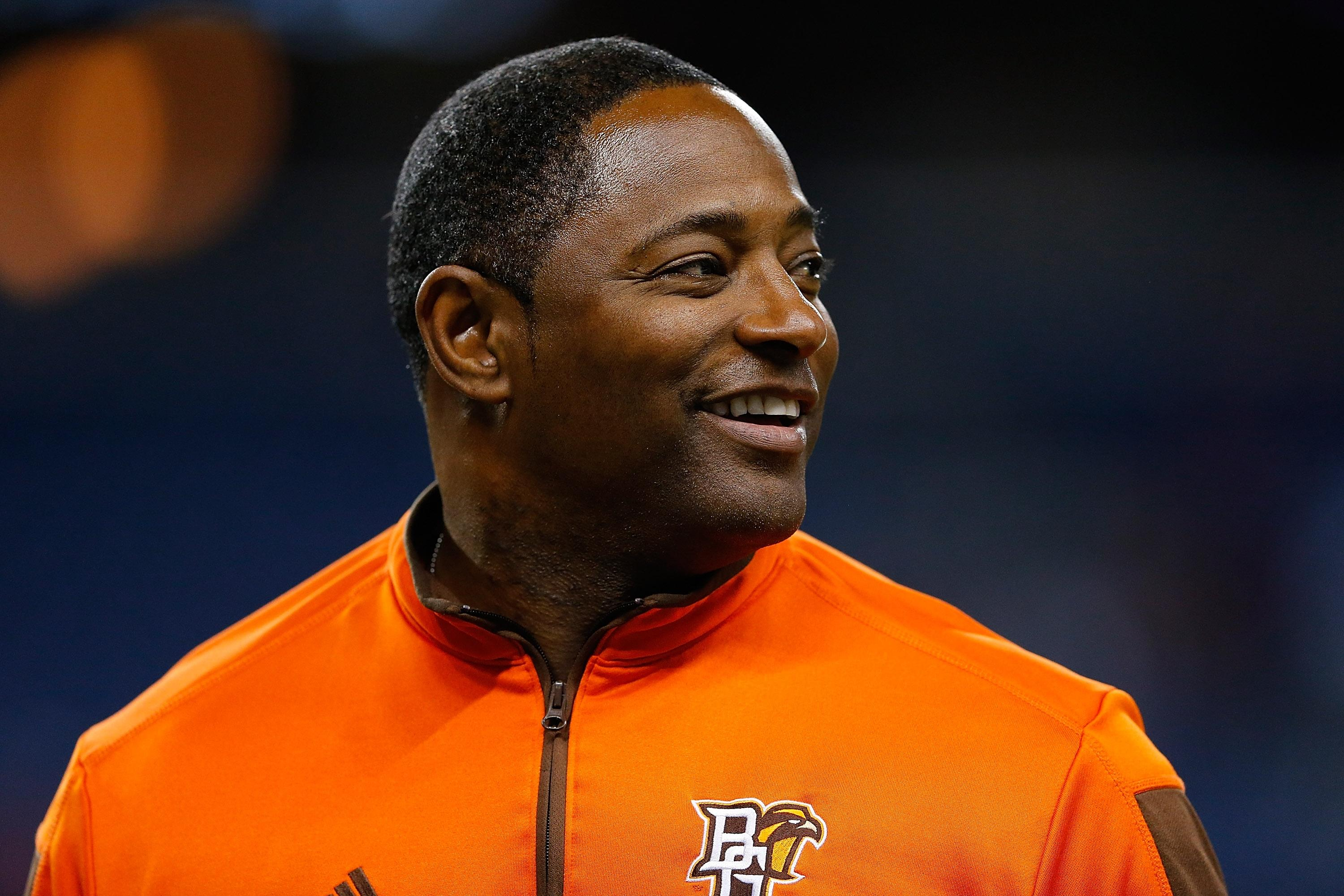 Bowling Green coach Dino Babers helped pull driver from burning vehicle