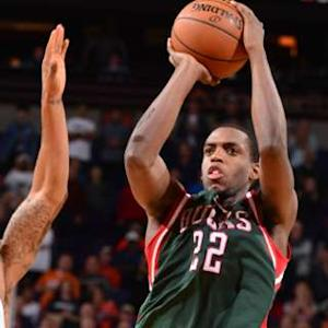 Play of the Day - Khris Middleton