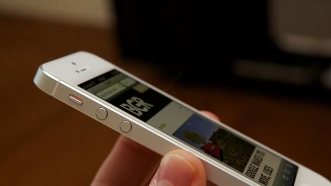Mobile price war torches Spain as iPhone 5 drops to free on contract