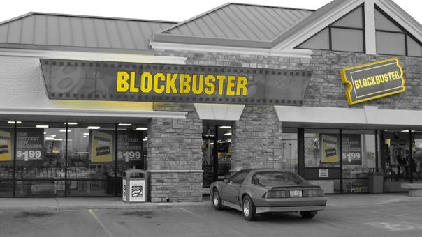 Blockbuster to close retail stores and mail DVD rentals by early January