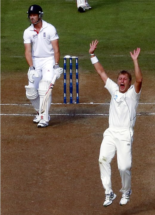 New Zealand's Wagner appeals successfully for LBW to dismiss England's Compton during the fifth day of the first test in Dunedin