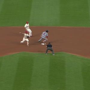 Wong turns double play