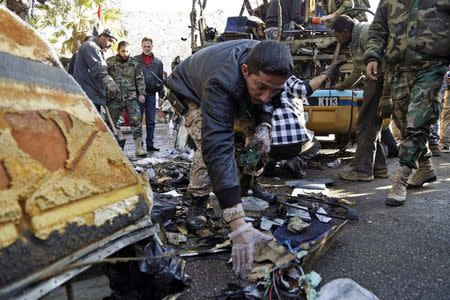 Blast targeting bus near Shi'ite shrine in Damascus kills six