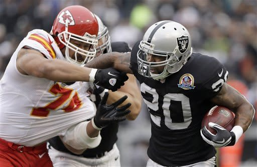 Raiders shut out Chiefs 2nd time ever, 15-0
