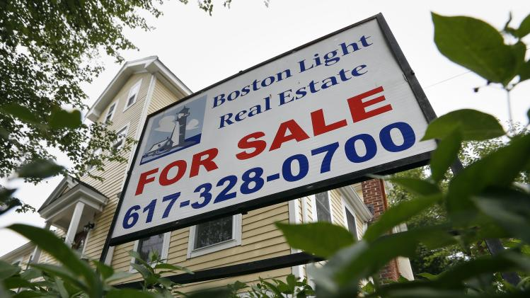Average US mortgage rates dip slightly