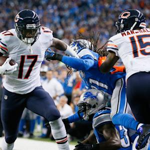 Chicago Bears wide receiver Alshon Jeffery scores 10-yard touchdown
