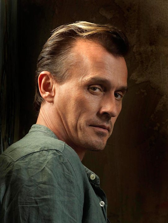 Robert Knepper returns as T-Bag on Prison Break.