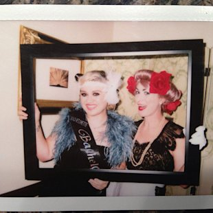 Kelly Clarkson's 1920s-inspired bachelorette party!